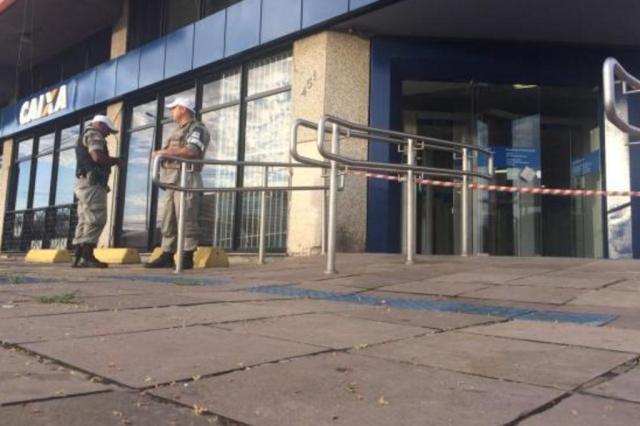 Criminosos arrombam agência bancária na zona sul de Porto Alegre Felipe Daroit/Agencia RBS