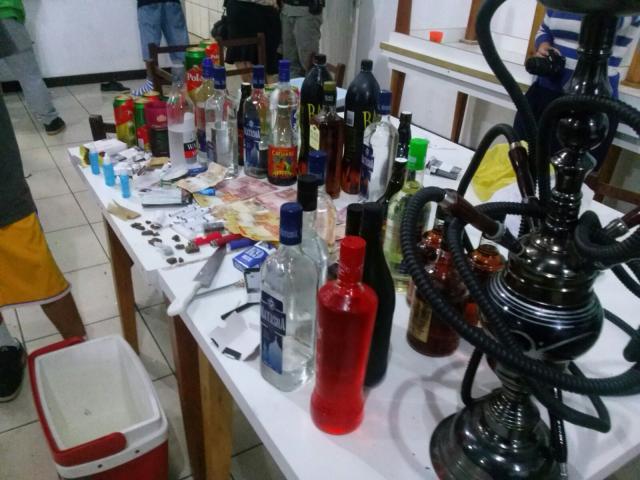 BM apreende 62 adolescentes em festa com drogas em Dois Irmãos Brigada Militar / Divulgação/