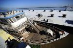 Fotos do Cisne Branco mostram danos causados por tempestade