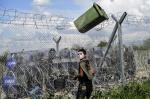 Gás lacrimogêneo na fronteira grega