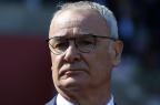 Técnico do Leicester ligou paraGuus Hiddink para agradecer por empate do Chelsea LINDSEY PARNABY/AFP