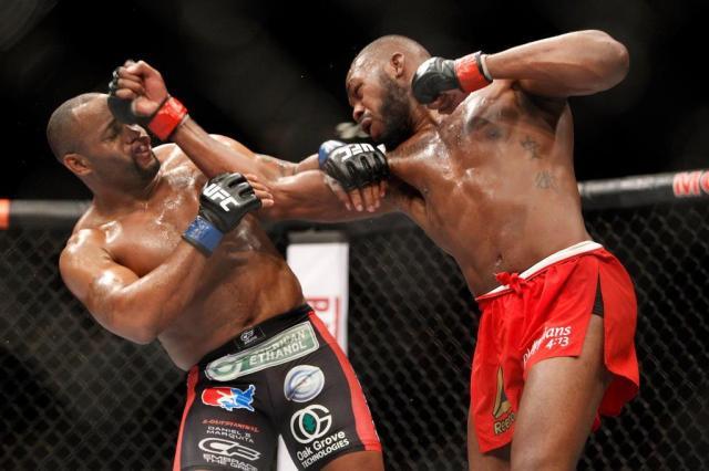 UFC aponta revanche entre Cormier e Jon Jones, mas deixa Jimi Manuwa em alerta Steve Marcus/GETTY IMAGES NORTH AMERICA