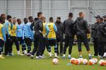 Bolaños participa de treino do Grêmio antes de jogo com Rosario Central