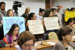 Comissão no Senado discute projeto que regula interrupção da gravidez pelo SUS no país