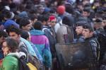 Acampamento de imigrantes é evacuado em Paris