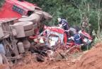 Colisão entre caminhonete e carreta mata duas pessoas na BR-158 Divulgação / PRF/PRF
