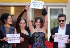 """Lançamento de """"Aquarius"""" em Cannes é marcado por protesto contra Temer e o impeachment VALERY HACHE/AFP"""