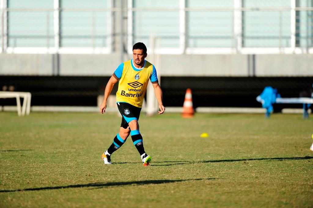 Edílson aparece no BID e está liberado para reestrear no Grêmio Anderson Fetter/
