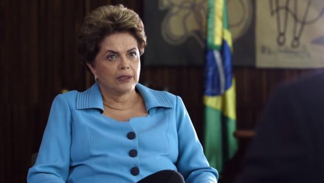 """Após governo Temer restringir viagens em aviões da FAB, Dilma rebate: """"Eu vou viajar!"""" Reprodução / YouTube/YouTube"""