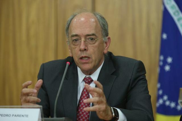 Parente vê prejuízo se Petrobras explorar todos os campos do pré-sal Fabio Rodrigues Pozzebom / Agência Brasil/Agência Brasil