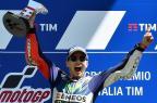 Em disputa emocionante, Jorge Lorenzo fatura o GP da Itália GIUSEPPE CACACE/AFP