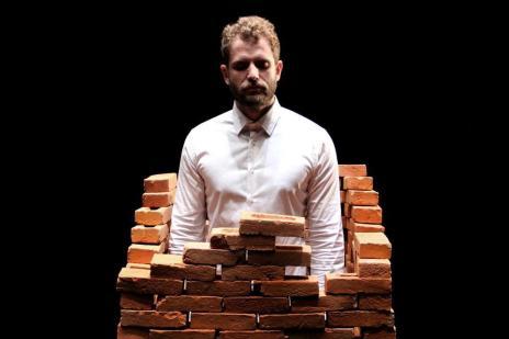 """""""Hamlet – Processo de Revelação"""" tenta desvendar o personagem shakespereano (Ismael Monticelli/Divulgação)"""