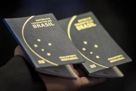 Cai o tempo de espera por emissão de passaporte (Marcelo Camargo/Agência Brasil)