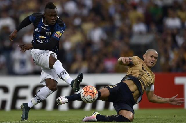 Nos pênaltis, Independiente del Valle supera o Pumas e enfrentará o Boca Juniors na semifinal OMAR TORRES/AFP