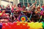 """Elenco de """"Sense8"""" grava cenas e posta foto em Parada LGBT de São Paulo Reprodução/Facebook/Sense8"""