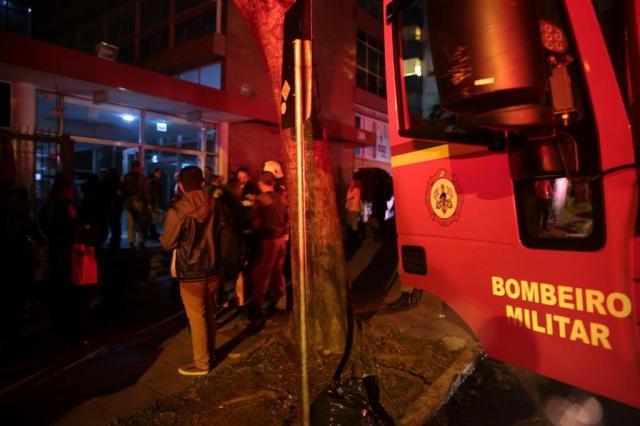Faculdade da Capital cancela aulas após incêndio em laboratório André Ávila/Agencia RBS