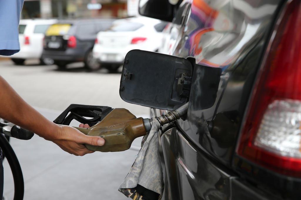 Petrobras anuncia aumento no preço do diesel e da gasolina nas refinarias