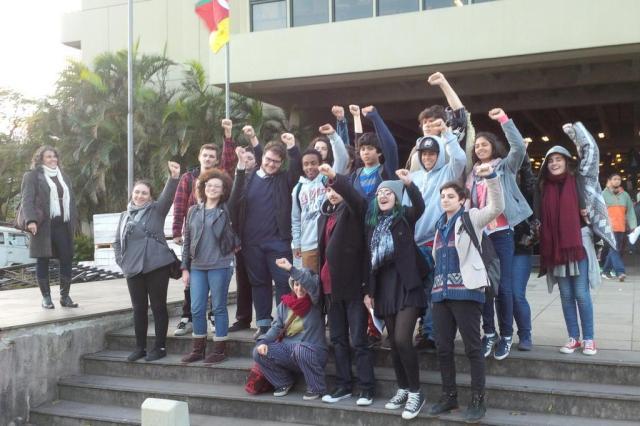Estudantes aceitam desocupar escolas do RS até quinta-feira Guilherme Justino/Agência RBS