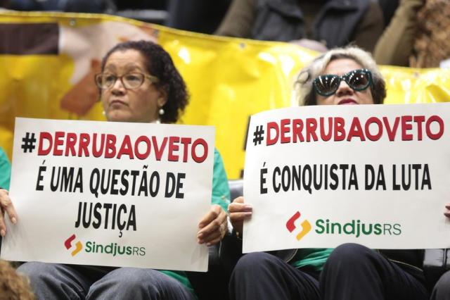 Deputados derrubam veto de Sartori a reajuste de servidores André Ávila/Agencia RBS