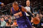 Leandrinho Barbosa é cortado pelo Phoenix Suns Jesse D. Garrabrant / NBAE via Getty Images/AFP/NBAE via Getty Images/AFP