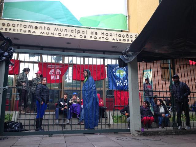 Reintegração do prédio do Demhab ainda não tem data definida Paulo Rocha/Rádio Gaúcha