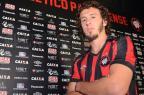 Passaporte Gre-Nal: Galhardo é apresentado no Atlético-PR Atlético-PR / Divulgação/Divulgação