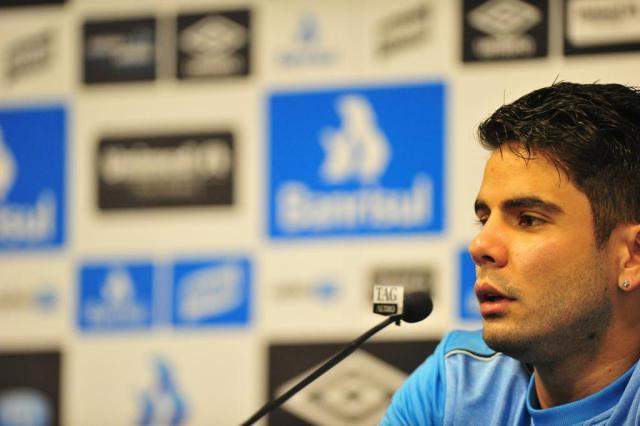 Com aval do Grêmio, Henrique Almeida negocia retorno ao Coritiba Carlos Macedo/Agencia RBS