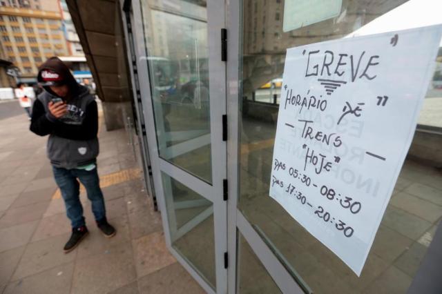 Ônibus que atendem Região Metropolitana terão frota reforçada até o fim desta segunda-feira André Ávila/Agencia RBS