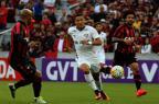 Atlético-PR domina o Fluminense, vence e segue perto dos líderes Nelson Perez/Fluminense