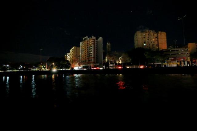 Após ventania, 600 clientes permanecem sem luz em Porto Alegre Lauro Alves/Agencia RBS