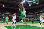 Em jogo emocionante, Brasil vence Espanha e respira aliviado no basquete Mark Ralston/AFP