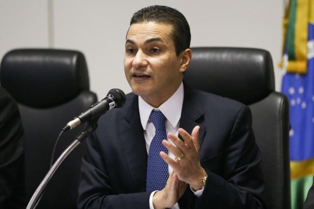 Governo terá de tomar medidas impopulares, diz ministro da Indústria Fabio Rodrigues Pozzebom/Agência Brasil