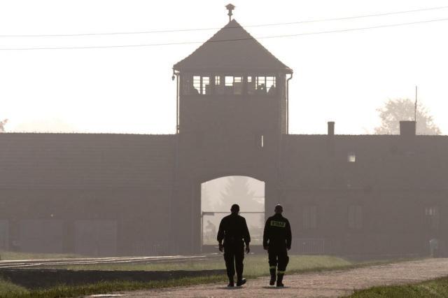Auschwitz é restaurado para manter a memória sobre a barbárie nazista JOE KLAMAR/AFP