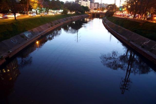 Prefeitura descarta recursos antes de 2018 para retomar projeto de revitalização do Dilúvio Tadeu Vilani/Agencia RBS