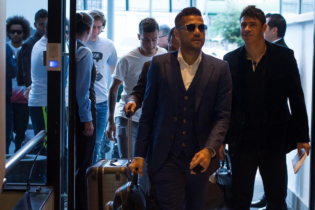 Manchester City está perto de contratar Daniel Alves, diz site
