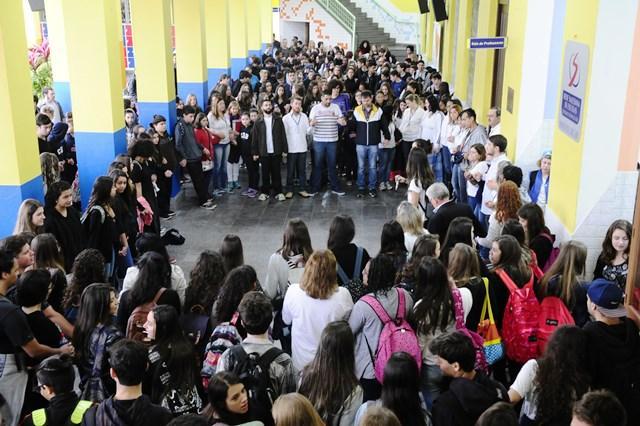 Com homenagens, Colégio Dom Bosco retoma as aulas após assassinato de mãe de aluno Ronaldo Bernardi / Agência RBS/Agência RBS