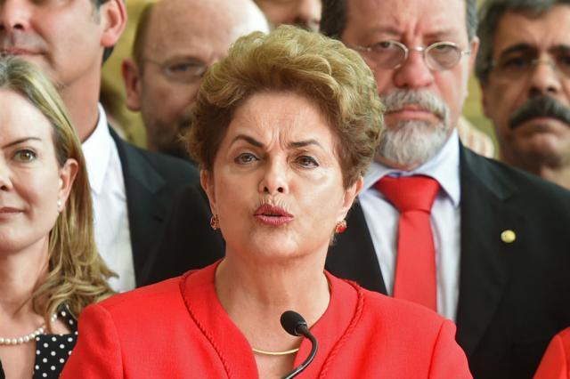 Resultado de imagem para Defesa de Dilma critica ação da Justiça Eleitoral em pleno recesso