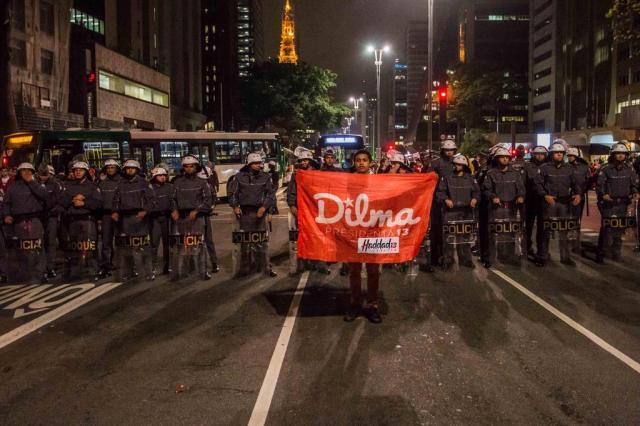 Brasil tem manifestações contra impeachment e celebração de grupos anti-Dilma TABA BENEDICTO/Agência O Dia