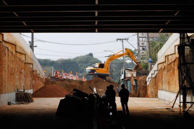 Prefeitura adia fim da obra da trincheira da Avenida Cristóvão Colombo Joel Vargas/PMPA/Divulgação