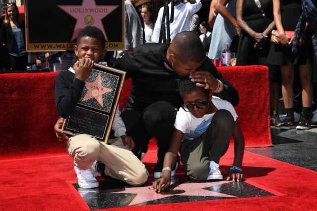 Usher ganha estrela na Calçada da Fama, em Hollywood Mark RALSTON/AFP