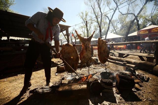 Sábado de sol, movimento e alegria no Acampamento Farroupilha Carlos Macedo/Agencia RBS
