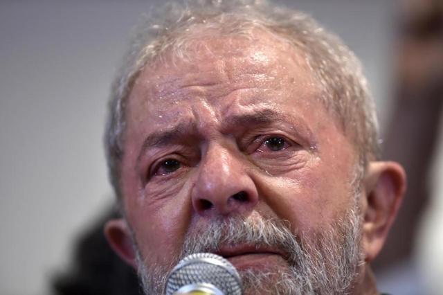 Lula vira réu na Operação Lava-Jato por corrupção e lavagem de dinheiro NELSON ALMEIDA/AFP