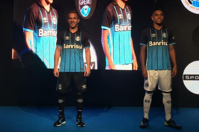 Inspirado no modelo degradê de 2015, Grêmio lançanovo uniforme Divulgação/Divulgação