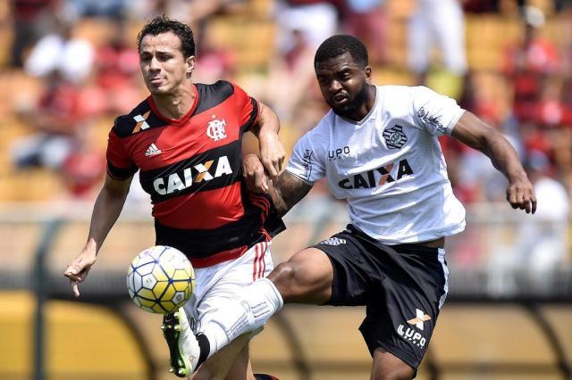 """Leandro Damião admite """"pior dia no Flamengo"""" após pênalti desperdiçado Lancepress/Mauro Horita"""