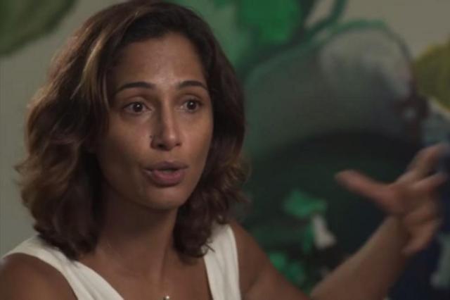 """Após morte de Domingos Montagner, Camila Pitanga volta a gravar """"Velho Chico"""" e pede orações reprodução/TV Globo"""