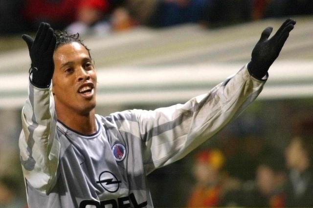 """Ex-jogador do PSG critica Ronaldinho: """"Não treinava nenhum dia da semana"""" Ver Descrição/Ver Descrição"""