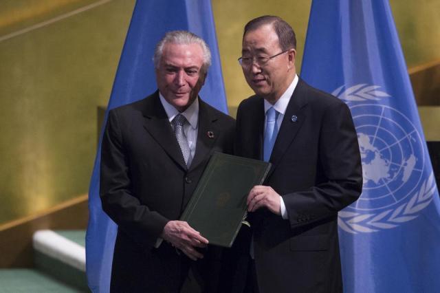 Brasil entrega ratificação do Acordo de Paris sobre mudança climática na ONU DON EMMERT/AFP