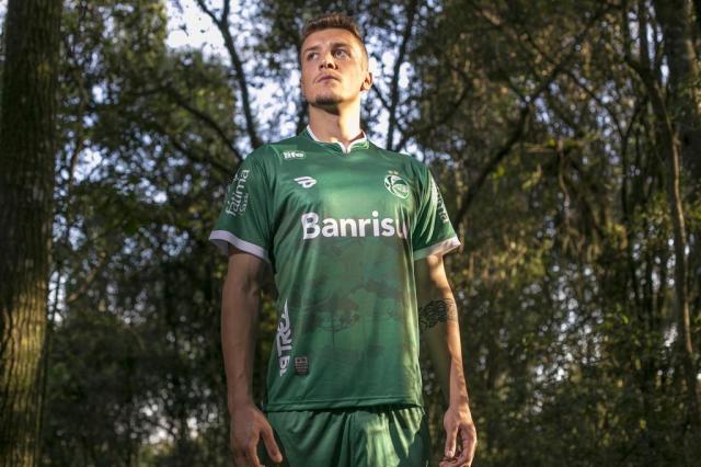 Juventude apresenta nova camisa que será utilizada no jogo contra o São Paulo Gustavo Juber/divulgação