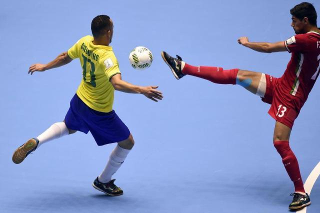 Seleção perde para o Irã nos pênaltis e faz a pior campanha da própria história na Copa do Mundo de Futsal GUILLERMO LEGARIA/AFP