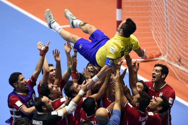 """Após eliminação, Falcão é ovacionado e se despede de mundiais: """"É isso que fica"""" GUILLERMO LEGARIA/AFP"""
